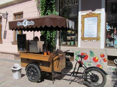 """Дозвіл на продаж кави на вулиці Ольги Кобилянської отримала тільки """"Велокава"""""""