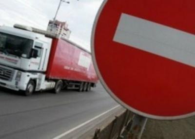На автотрасах Буковини у спеку заборонили рух вантажівок