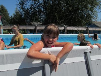 У таборі на Буковині діти змагаються за призи та купаються в басейні (ФОТО)