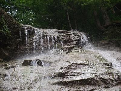 Смугарівські водоспади на Буковині відвідують туристи з усього світу
