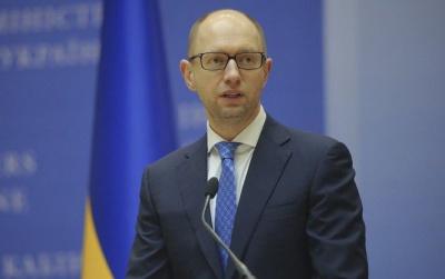 Яценюк доручив збільшити кількість годин на вивчення іноземних мов у школах