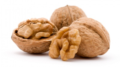 Волоські горіхи знизять холестерин