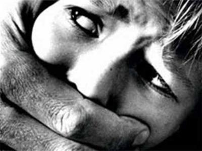 У Чернівцях згвалтували 16-річну дівчину: міліція шукає зловмисника