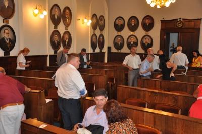 В Черновцах депутаты не могут собраться на сессию. Перенесли на 11.30