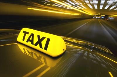 У Чернівцях таксист нагрубив молодій мамі