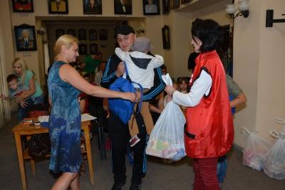 У Чернівцях вручили допомогу з Польщі сім'ям учасників АТО (ФОТО)