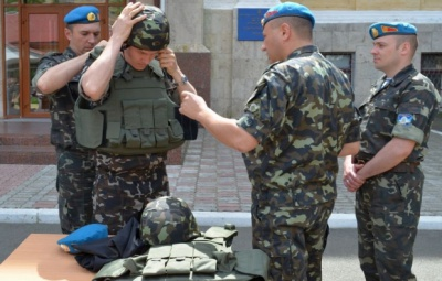 Президент привітав десантників та Повітряні сили України