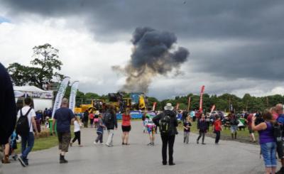 Під час авіашоу у Великій Британії розбився винищувач (відео)