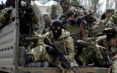 Терористи шість годин обстрілювали смт Луганське