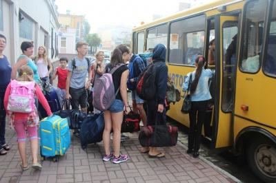 До Чернівців на оздоровлення із зони АТО прибули 16 дітей