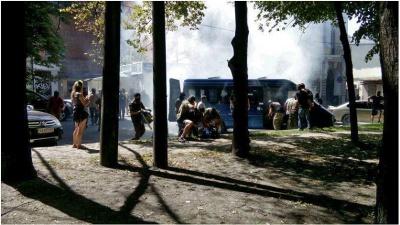 """У Харкові штурмували офіс """"Опозиційного блоку"""" (відео)"""
