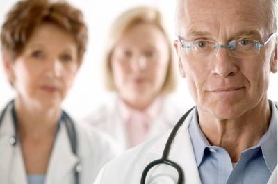 Медикам та освітянам збільшили стаж для виходу на пенсію на 5 років