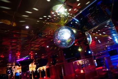 Дві подруги обікрали дівчину в нічному клубі Чернівців