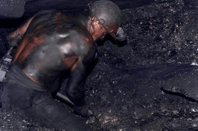 У Донецьку шахтарі відмовилися спускатися в шахту, через заборгованість по зарплаті