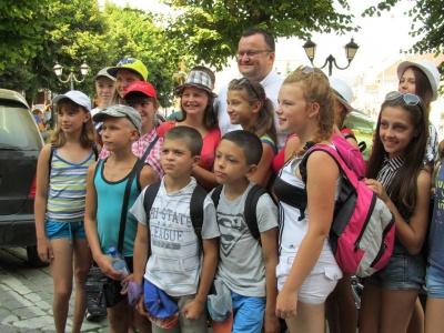 Діти з Луганська, які відпочивали в Чернівцях, повертаються додому