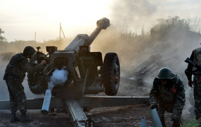 Околиці Маріуполя обстріляли з важкої артилерії