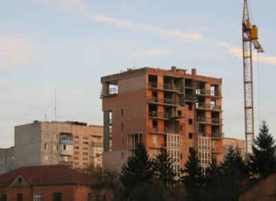 На Буковині будівництво обвалилося на 38%, але у Чернівцях ще будують