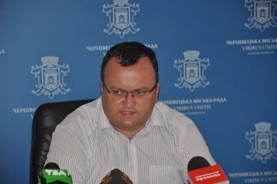 За незадовільне прибирання міста покараємо керівників ЖРЕПів - мер Чернівців