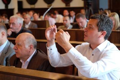 """Двоє екс-регіоналів у Чернівцях підуть на вибори від партії """"Рідне місто"""""""