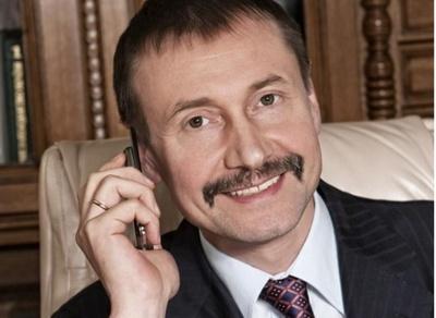 Екс-голова Чернівецької ОДА мав захищений від прослуховувань мобільний