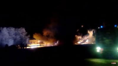 Під Полтавою перекинувся та спалахнув бензовоз: є постраждалий (ВІДЕО)