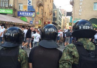 На Майдані побились українські і польські вболівальники (ВІДЕО)