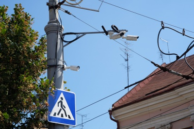 У Чернівцях на площах і головних перехрестях встановили відеоспостереження (ФОТО)