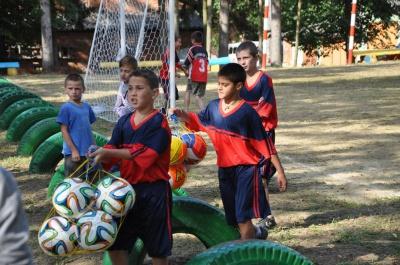 Спортивний майданчик з міні-футбольним полем відкрили в Садгорі