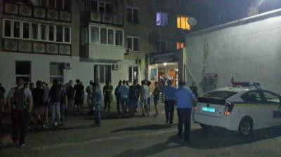 Міліція затримала тракториста, який зносив ворота палацу Ківалова - ЗМІ