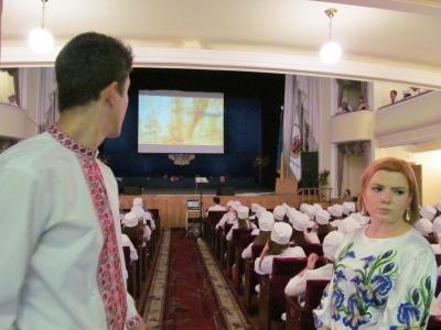 Посвята першокурсників-медиків у Чернівцях пройшла у патріотичному дусі (ФОТО)