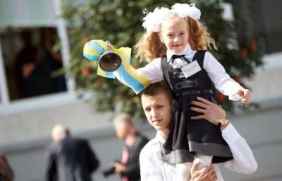 Перший дзвоник у школах Чернівців скоротять до 30 хвилин через аномальну спеку