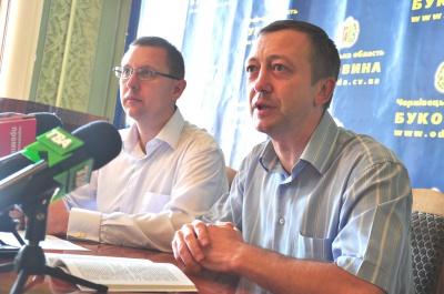 У Чернівцях чиновників, які йдуть на вибори, закликали йти у відпустки