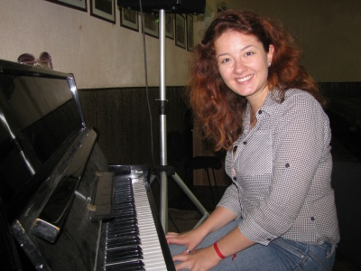 Випускниця гімназії у Чернівцях написала гімн рідного закладу