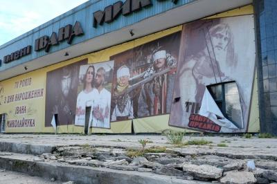 На кінотеатр Миколайчука у Чернівцях звалилися гроші