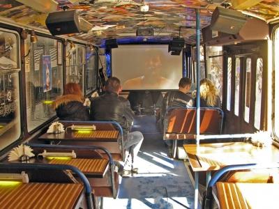 Мер Чернівців хоче перетворити старі занедбані тролейбуси у кафе на колесах