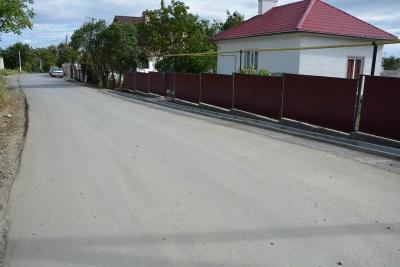 До кінця року в Чернівцях заасфальтують ще одну вулицю (ФОТО)