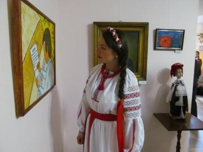 Виставку, присвячену Володимиру Івасюку, відкрили в Чернівцях (ФОТО)