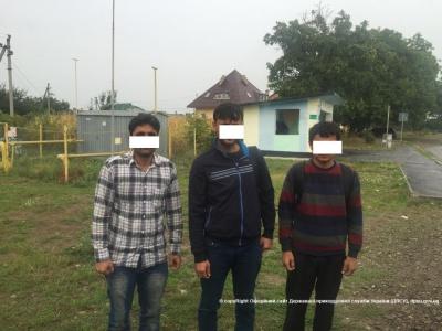 На українському кордоні затримали незаконних мігрантів з Сирії