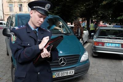 Як кореспондент «МБ» робила селфі із «старою» міліцією в Чернівцях