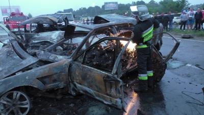 Трагическое ДТП с погибшими в Магале произошло из-за того что колесо лопнуло на скорости?