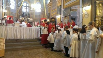 На храмове свято в костелі в Чернівцях молилися за мир в Україні