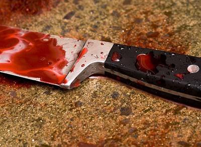 Буковинець через ревнощі порізав ножем співмешканку