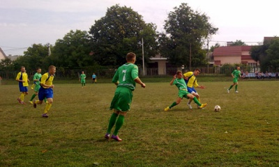 Суперники буковинців порівняли стадіон у Чернівцях з грядками