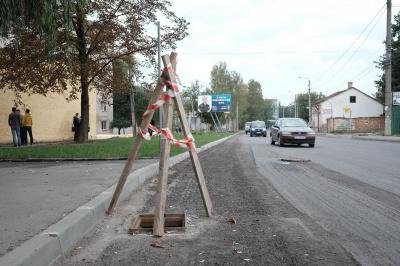 Вулицю Каспрука обіцяють заасфальтувати до кінця тижня (ФОТО)