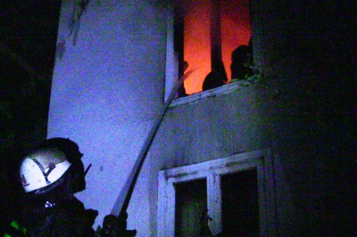 У Чернівцях згоріла дача (ФОТО, ВІДЕО)