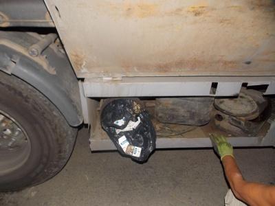 Українець через контрабандні цигарки позбувся тягача