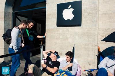 Чернівчанин розповів про берлінські черги за iPhone 6s (ВІДЕО)