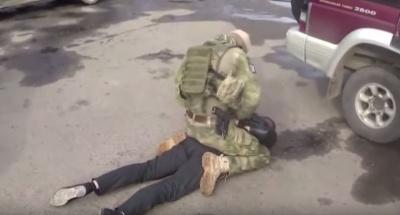 З'явилося оперативне відео із затримання на Буковині злочинної групи, що торгувала зброєю з АТО
