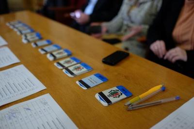 Сімейні  підряди на виборах на Буковині: тато у Ляшка, донька – у Садового