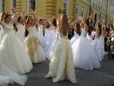 """Під час фестивалю """"Одруження на Панській"""" на лікування Богдана Чорнея зібрали майже 17 тисяч гривень"""